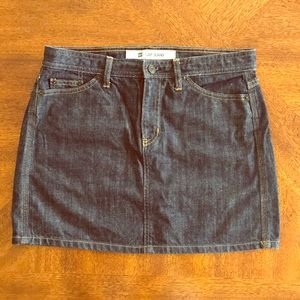 GAP mini jean skirt size 10 EUC